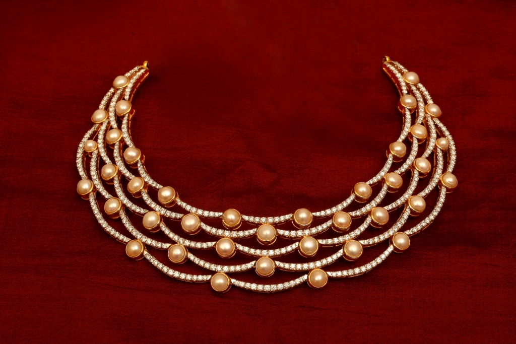 Buy Signature Collections of Diamond Necklaces from Karaikudi Diamond Jewellers Chennai.